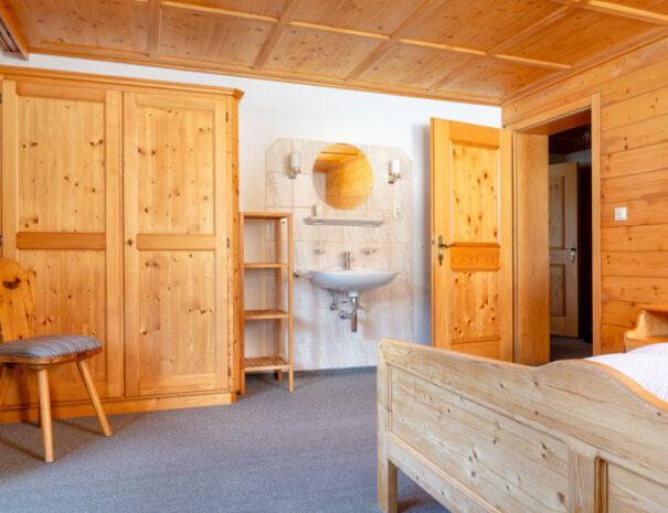 Bergnelke Zimmer 8
